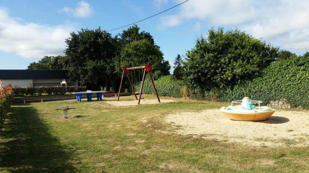 aire de jeux enfants camping la crique