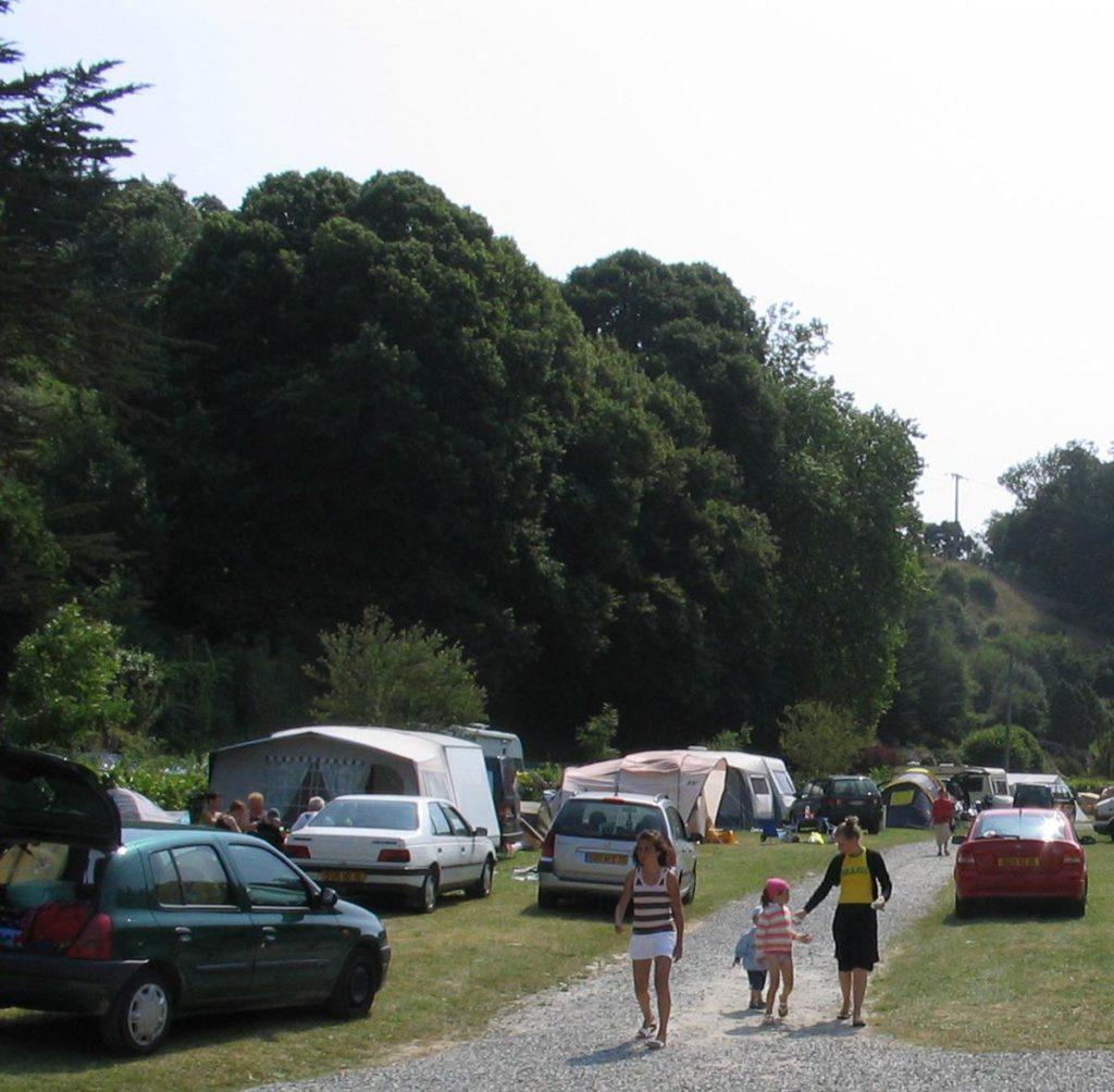 Emplacement camping 2 étoiles bretagne