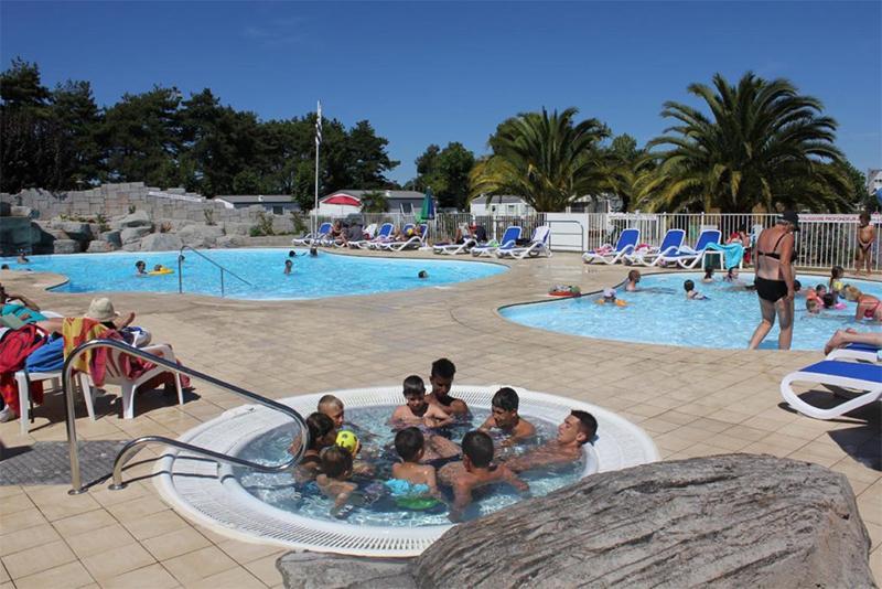 Les mobilhomes avec vue sur la piscine